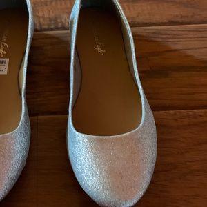 Size 13w women's silver glitter ballet shoes